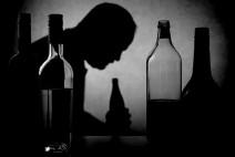 혼자 마시다 혼자 간다…심각한 중‧장년 남성 고독사